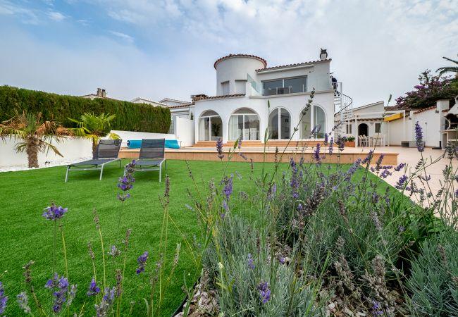 Villa en Empuriabrava - LV23 FRANCOLI