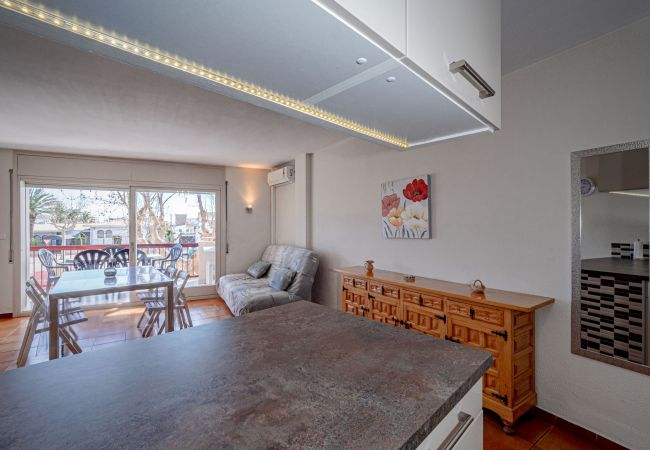 Apartamento en Empuriabrava - ILA30 POBLAT TIPIC