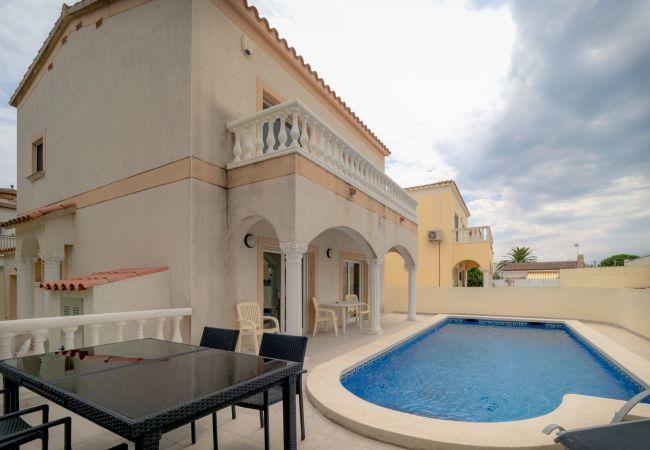 Villa en Empuriabrava - ilv09